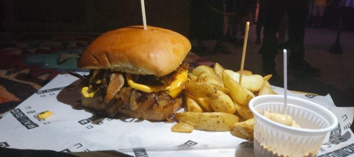 Rango do Céu: O burger quadrado do CEU BAR + ARTE